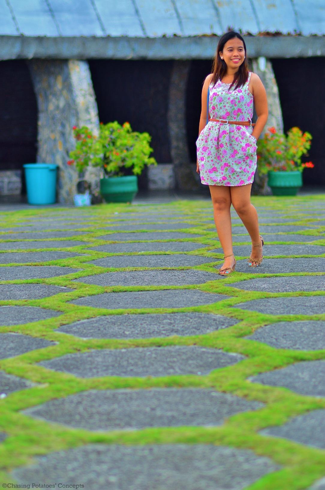 Nina in hexagon ground